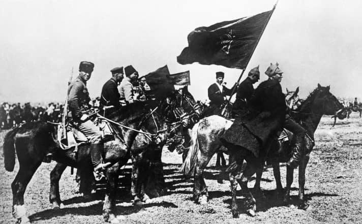 חיילים במלחמת האזרחים ברוסיה, 1917 // צילום: TASS via Getty Images IL