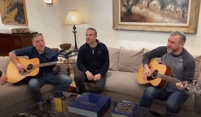 """ריקלין, מגל וסג""""ל שרים עם נתניהו, בחודש שעבר // מתוך הטוויטר של אראל סג""""ל"""