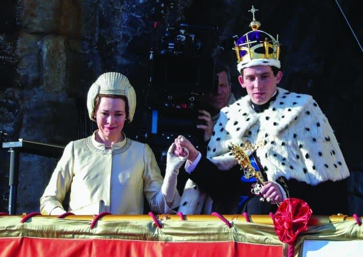 צ'רלס ואמו אליזבת בסדרה ה'כתר'