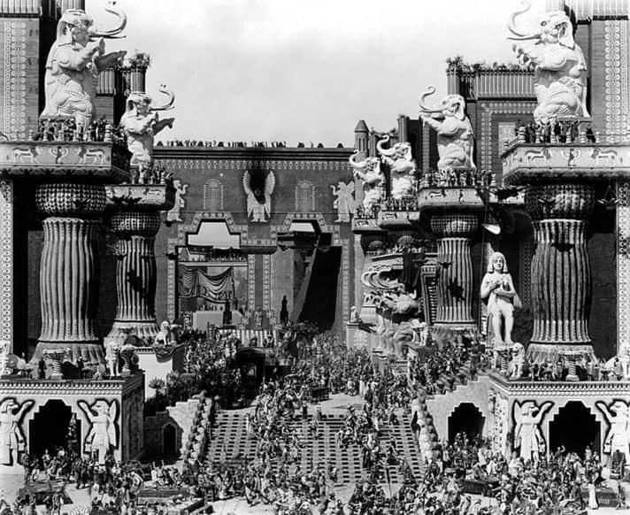 אי סובלנות, 1916