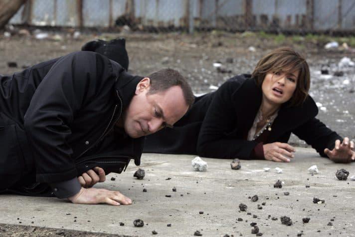 מרישקה הרגיטאי וכריס מלוני ב'חוק וסדר: מדור מיוחד'