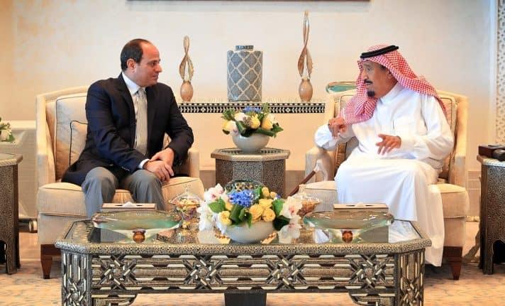א־סיסי עם מלך סעודיה סלמאן // צילום: AFP via Getty Images IL