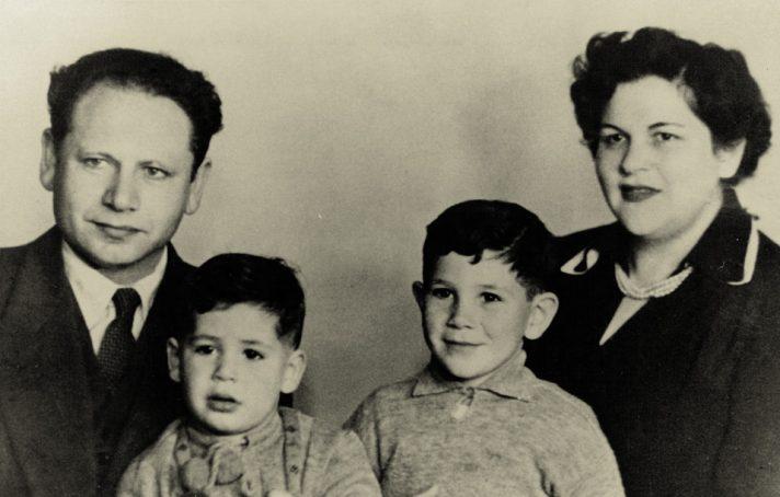 בנציון, צילה, יונתן ובנימין נתניהו // צילום: אוסף משפחתי