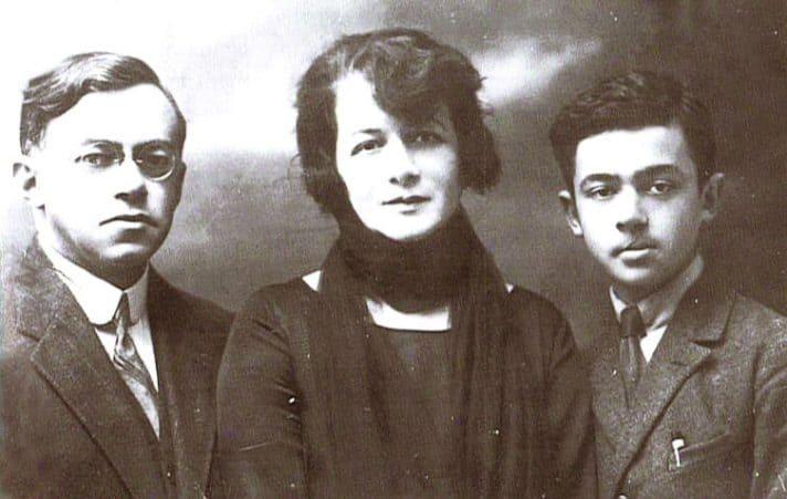 קשרי אבות. זאב ז'בוטינסקי ומשפחתו