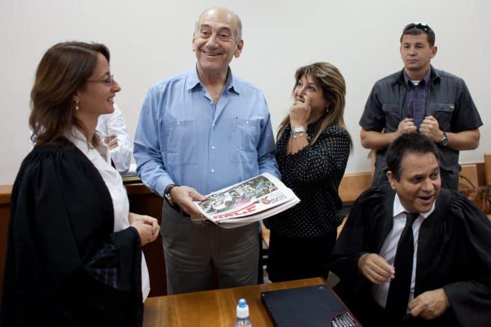 אולמרט בבית המשפט המחוזי בירושלים 21.7.2011 // צילום: אמיל סלמן, 'הארץ