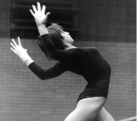המתעמלת נדיה קומנץ׳, מוסקבה 1980 // צילום: ויקיפדיה, Dave Gilbert