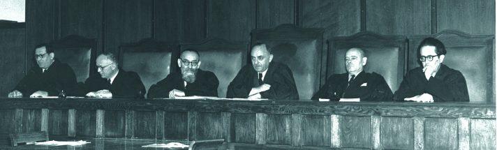 שופטי העליון 1953 // צילום: טדי בראונר, לע״מ