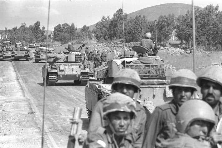 חיילים בדרך לחזית במלחמת יום כיפור // צילום: איתן האריס, לע״מ
