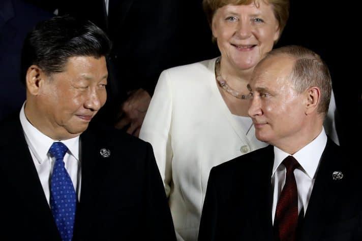 עם שי ג'ינפינג, 2019 // צילום: Dominique Jacovides, AFP via Getty Images IL