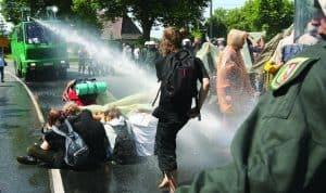 הפגנה נגד פסגת G8 // צילום: IL Images Getty, Hassenstein A