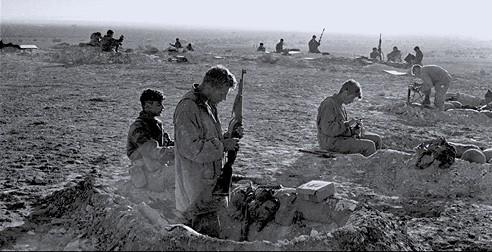 חיילים ישראלים במבצע קדש // אברהם ורד, 'במחנה'