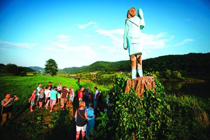 הפסל של מלאניה במולדתה // צילום: Jure Makovec, AFP, Getty Images IL