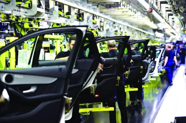 מפעל מרצדס בנץ // צילום: Alexander Koerner, Getty Images IL