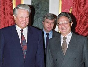 סורוס עם ילצין, 1992 צילום Alexander Sentsov TASS IL