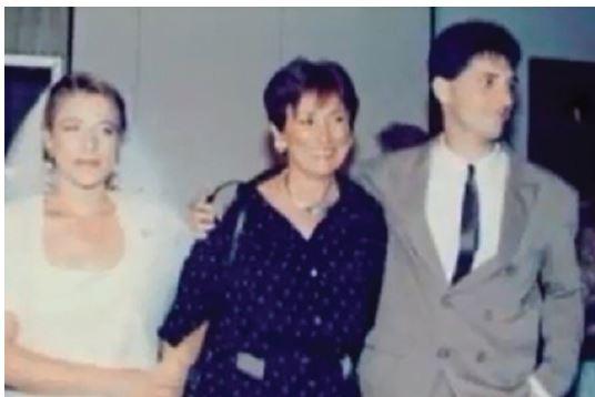 חתונתם של סער ושלי דנציגר, אשתו הראשונה, 1990