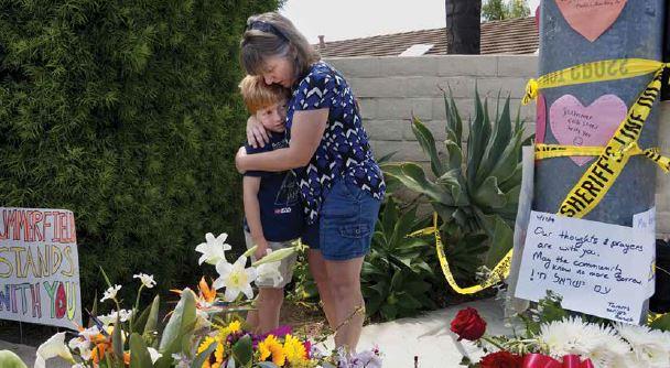 אנדרטה בזירת הרצח בבית הכנסת בפיטסבורג // צילום: SANDY HUFFAKER, AFP, Getty Images IL