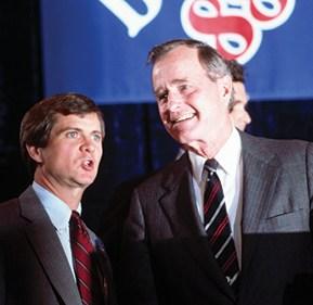 לי אטווטר וג'ורג' בוש, 1988 צילום Wally McNamee, CORBIS via Getty Images