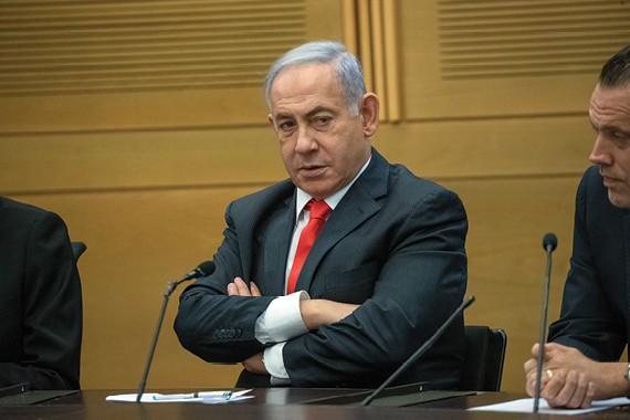 נתניהו בישיבת האופוזיציה הראשונה // צילום: אוהד צויגנברג, ׳הארץ׳
