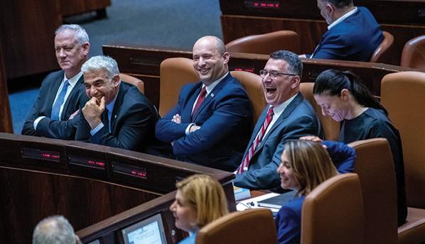 שולחן הממשלה. ״יש גבול ליכולת להתפשר״ // צילום: אוהד צויגנברג, ׳הארץ׳