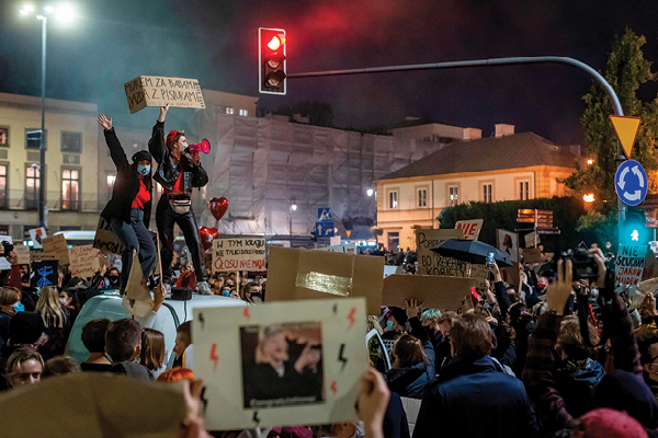 הפגנות נגד חוקי הפלות בפולין צילום Wojtek Radwanski, AFP via Getty Images